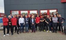 Teamfoto MVV bij Hansen Dranken